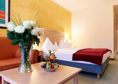 DAS HOTEL EDEN****S - Hotelzimmer mit Blumen