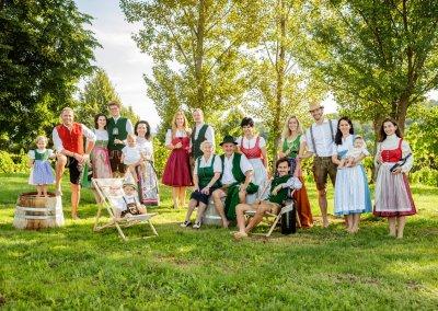 weinschloss-koarl-thaller-familienfoto